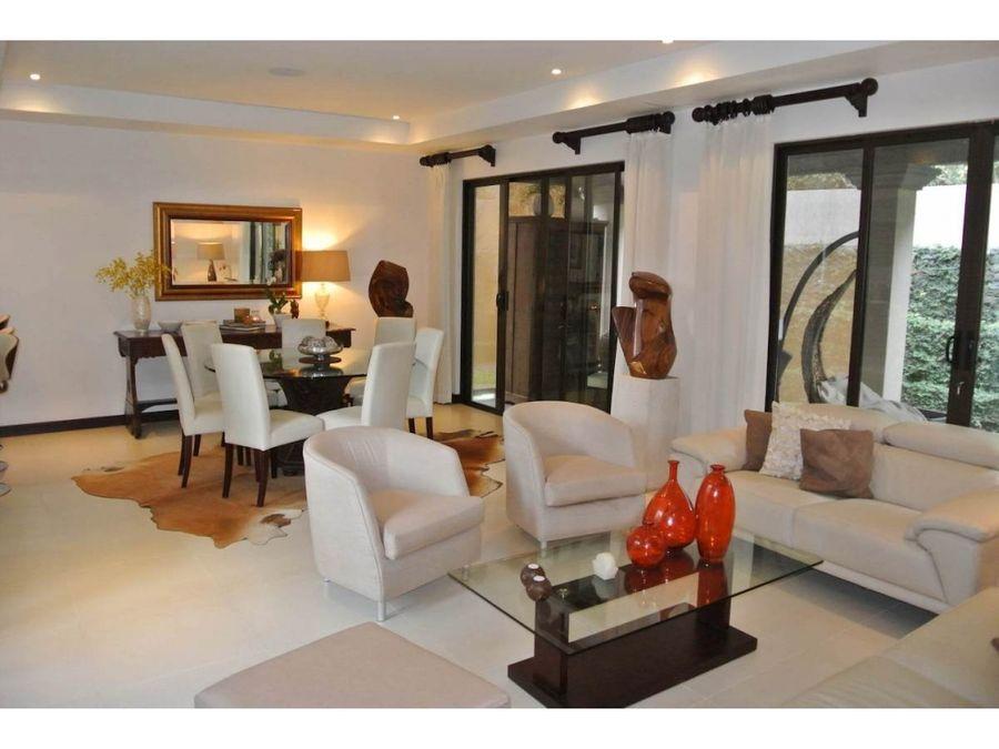 venta de casa en escazu guachipelin condominio