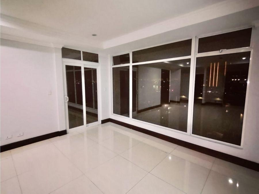 alquiler de apartamento en la sabana torre de lujo
