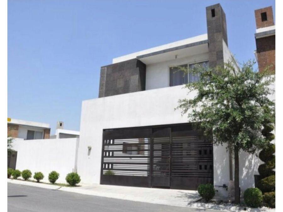 venta de casa en cumbres san patricio