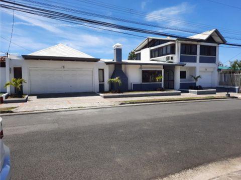 venta de hermosa y amplia casa en moravia los colegios norte