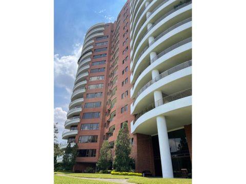 apartamento en renta zona 14 edificio tadeus