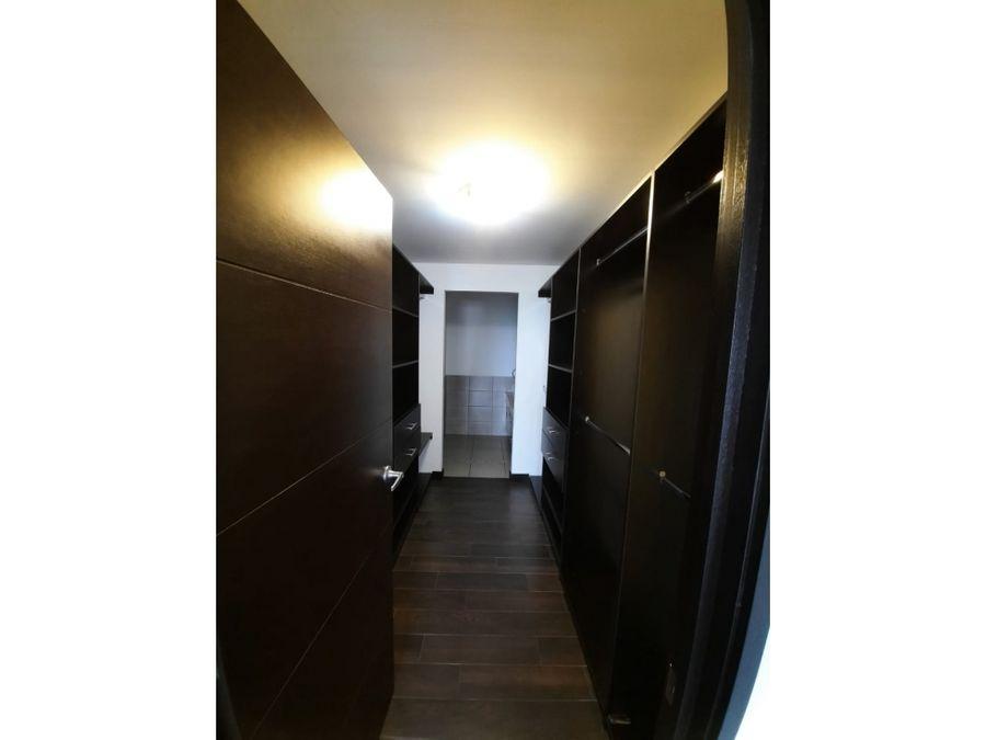 apartamento attica ii zona 14 en renta