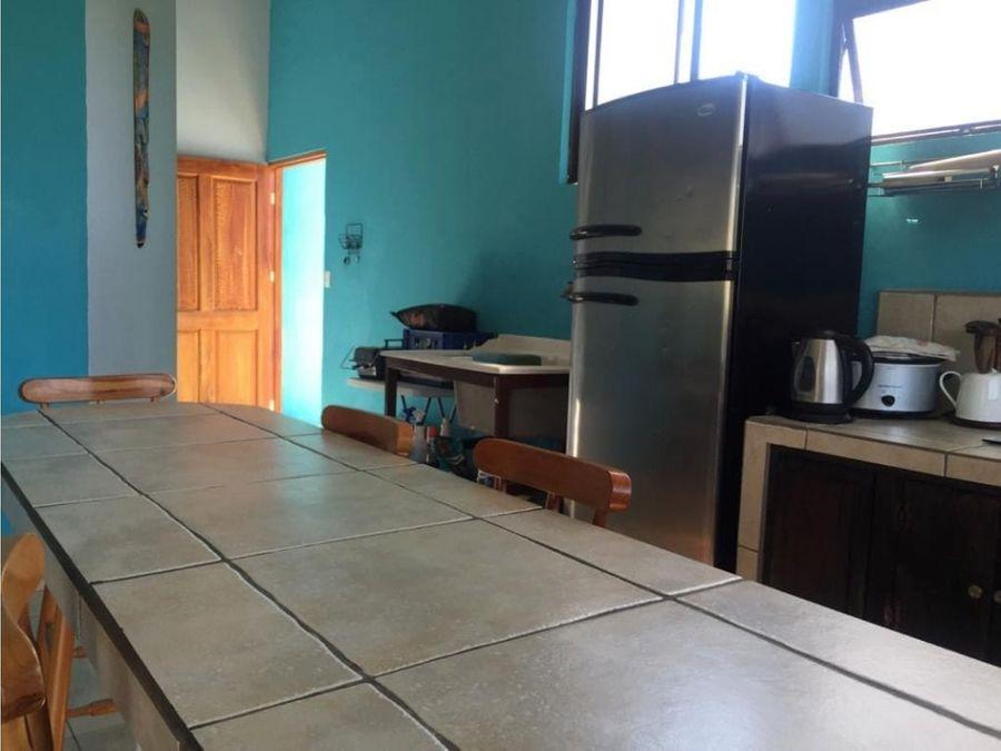 propiedad con dos apartamentos en garabito puntarenas