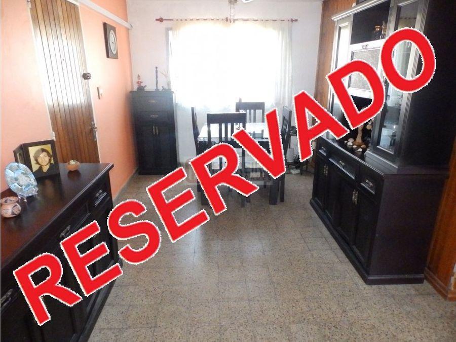 vende apartamento de 3 dormitorios y terraza