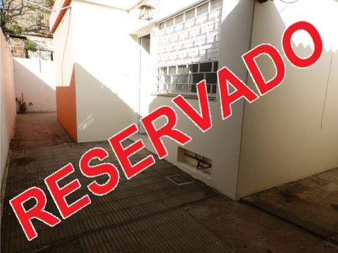 vende apartamento 1 dormitorio patio cochera