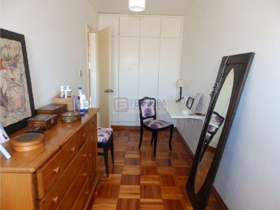 vende apartamento de 4 dormitorios y garaje