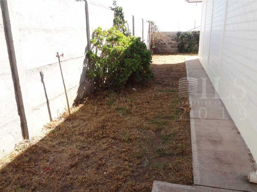 se vende casa en sector los hibiscus