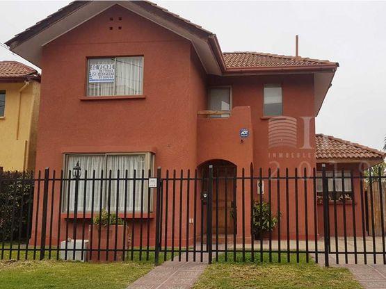 en venta casa cond cerrado penuelas