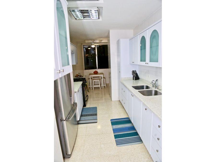 vendo apartamento en punta paitilla vista al mar