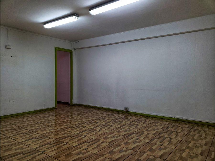 casa comercial metro republica
