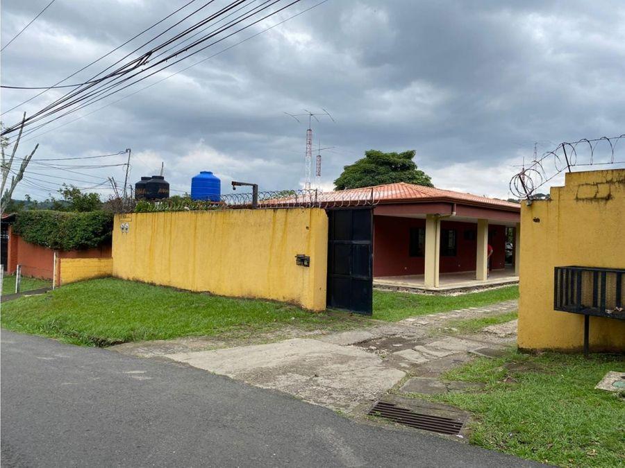se vende casa en santa ana centro