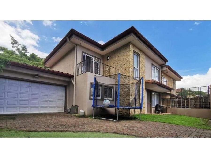 venta de casa independiente en santa ana rio oro