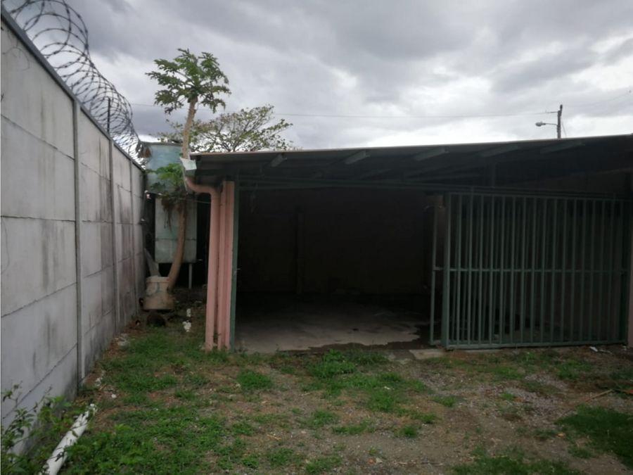 se vende propiedad 350m2 con casa en santa ana