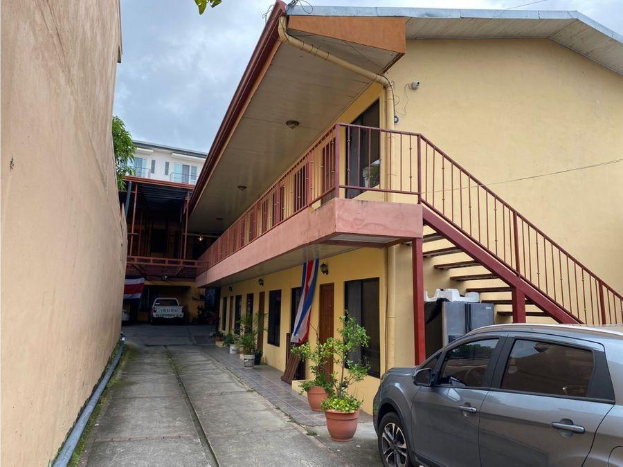 se vende propiedad con 21 apartamentos rentados