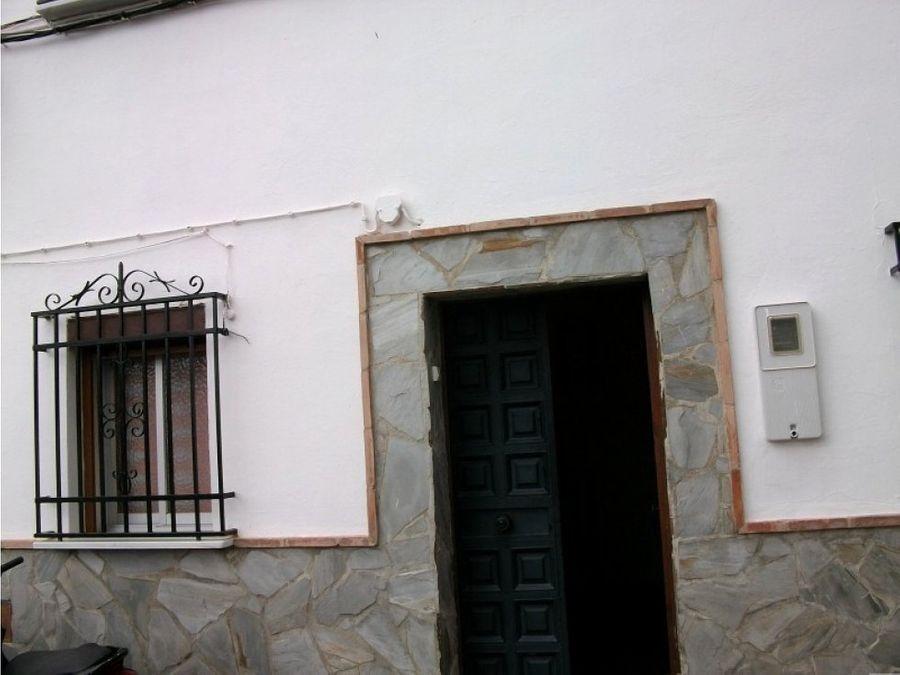 adosado en calle claveles antequera