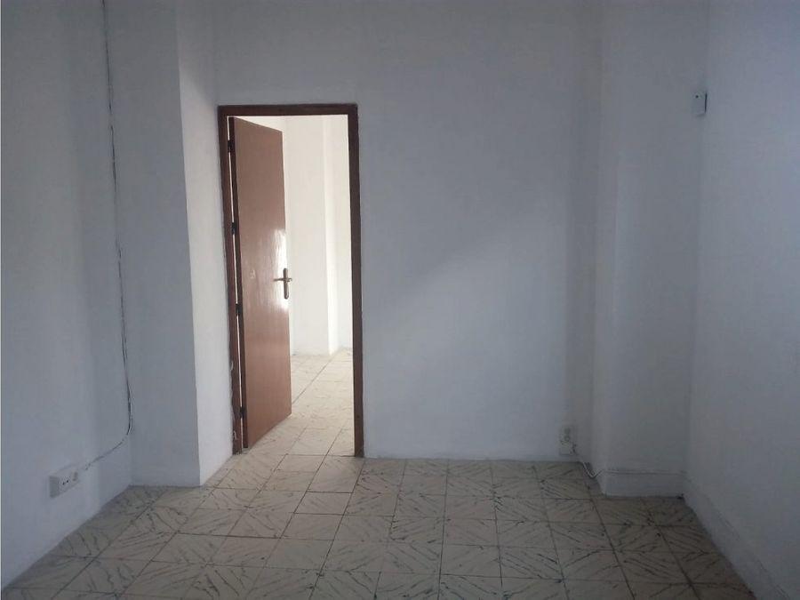 piso de 3 dormitorios calle carreteros antequera