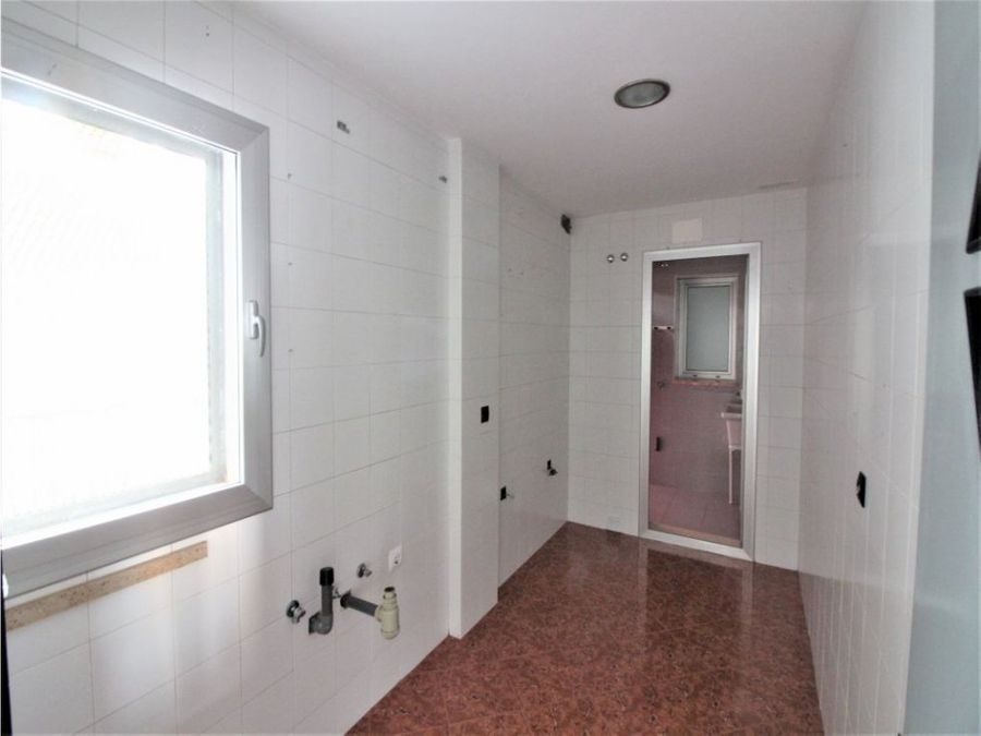 piso 3 dormitorios y 1 bano calle miguel palomo antequera