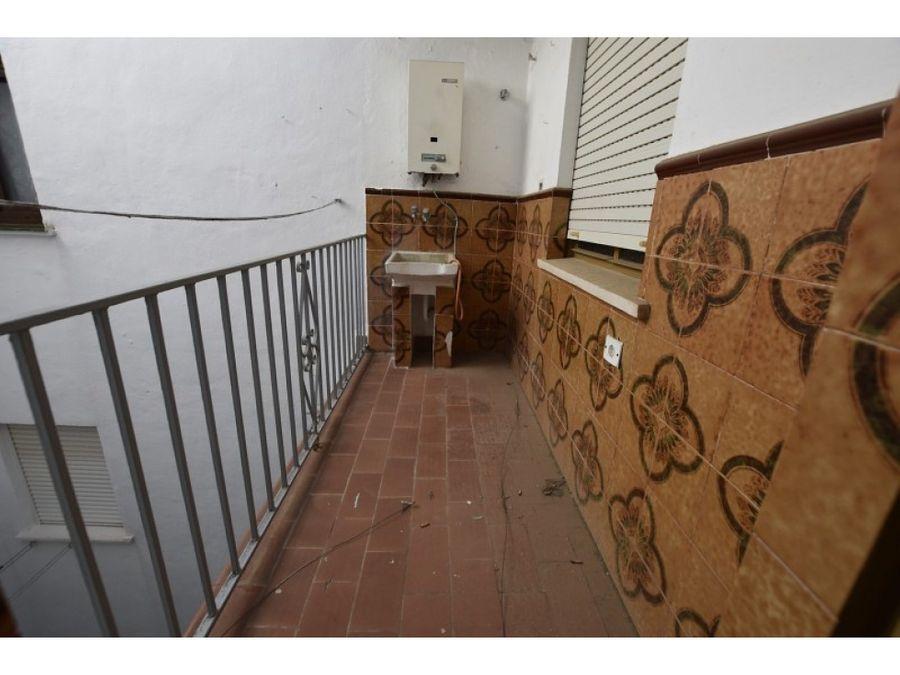 piso en ronda de 4 dormitorios y 2 banos con vistas a la sierra