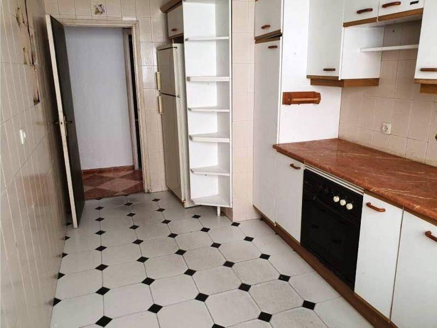 bonito piso en zona camino de suarez