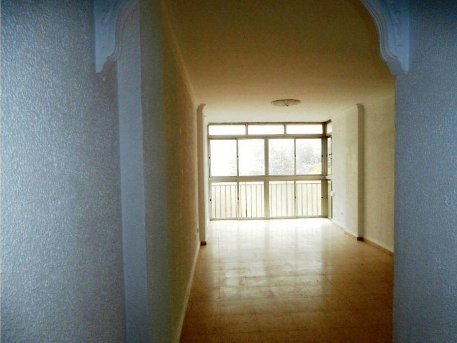 amplio y luminoso piso en zona velazquez