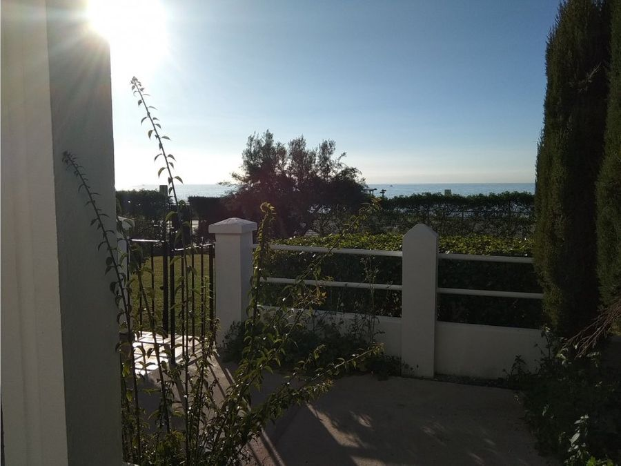 venta chalet chilches frente al mar malaga