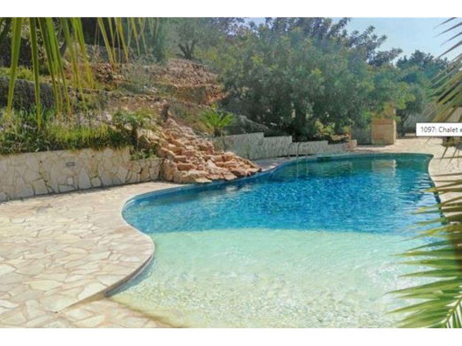 chalet de lujo con piscina en venta en pedreguer