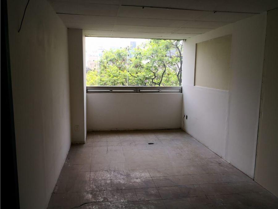 piso de oficinas de 510 m2 con 8 privados 2 banos integrados