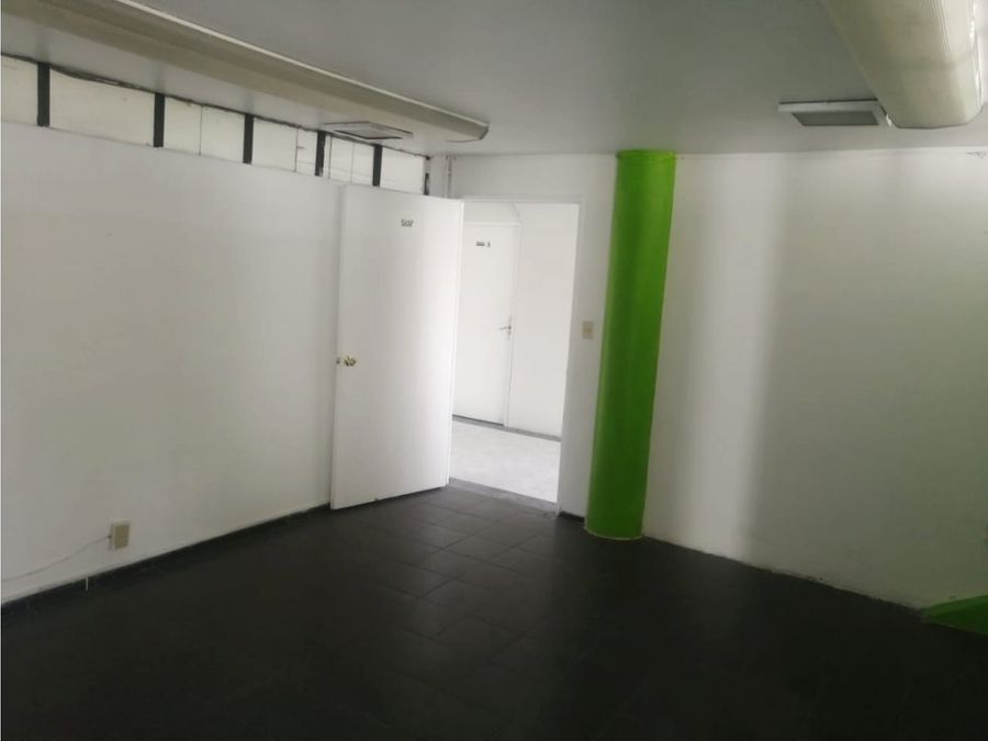 oficina pequena de 35 m2 1 privado recepcion frente metrobus durango