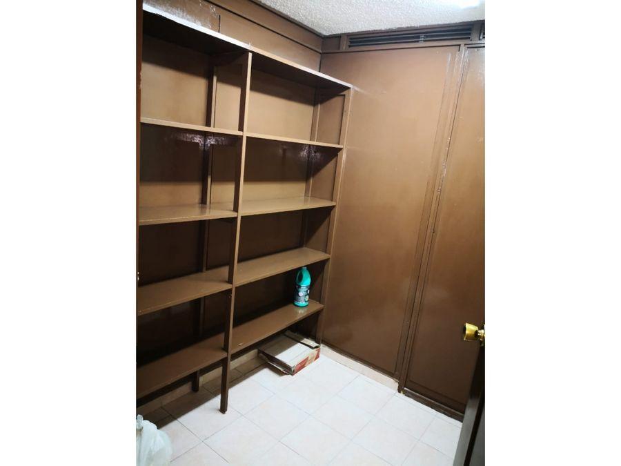 excelente oficina de 45 m2 con 2 privados recepcion 1 bano y bodega