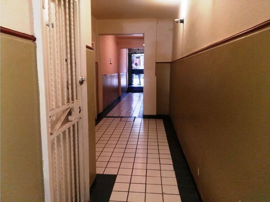 oficina de 2 privados 2 banos integrados area abierta