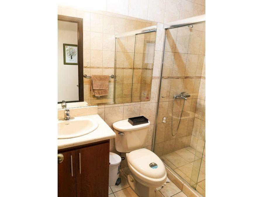 se vende casa en condominio guachipelin escazu