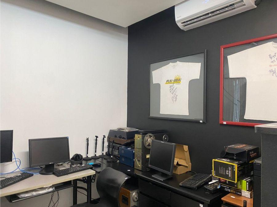 se alquilan oficinas