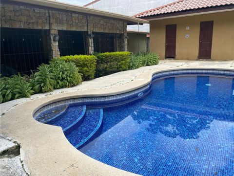 estilo quinta en santa ana con piscina