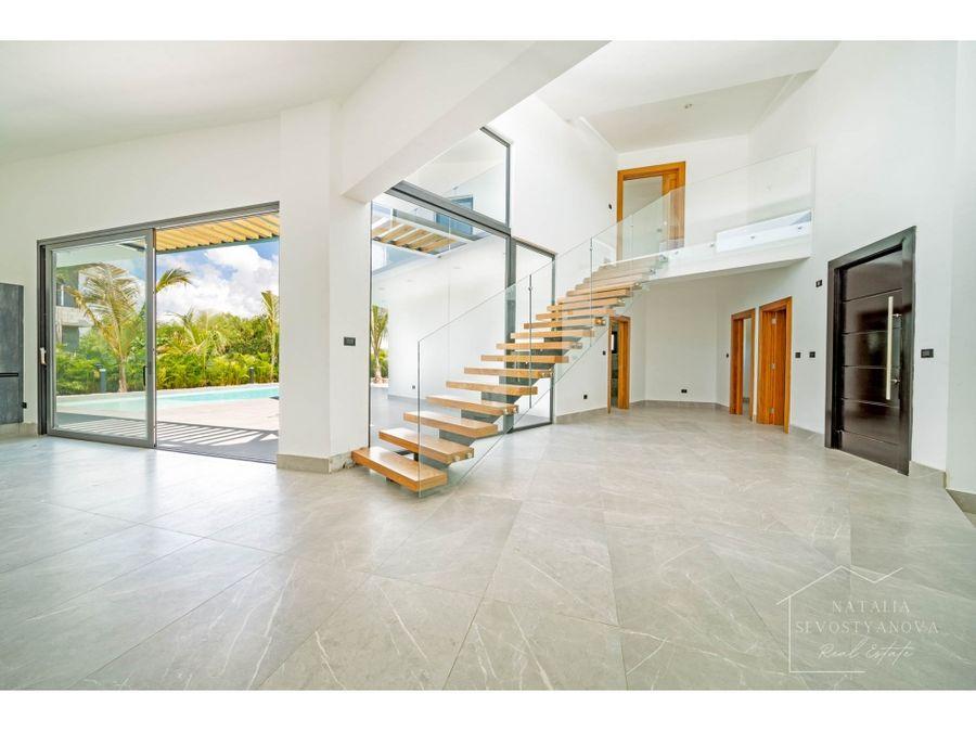 nueva villa de 3 dormitorios estudio y piscina en puntacana village