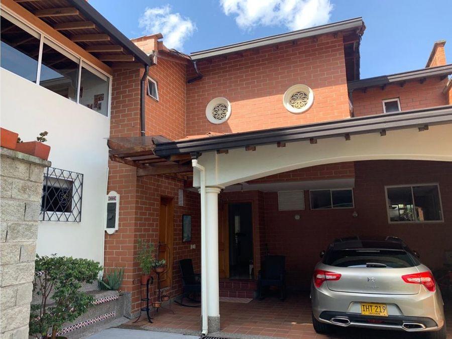 casa en venta en envigado los benedictinos