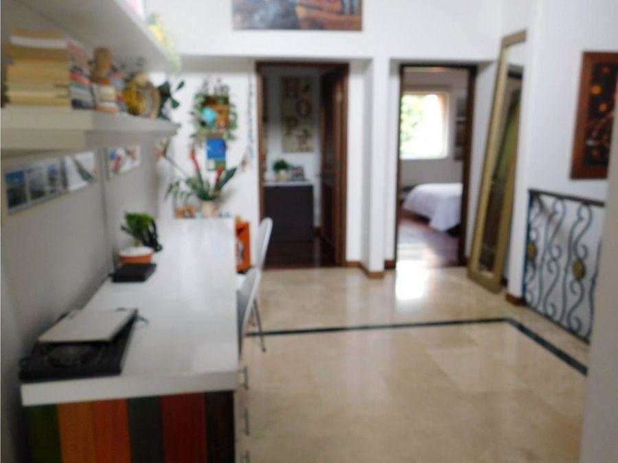 casa en venta en medellin altos del poblado