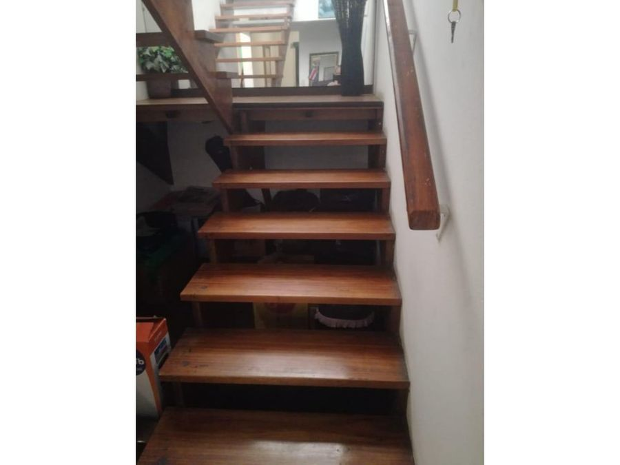 casa esquinera en venta en guadalupe uso mixto codigo 3293059