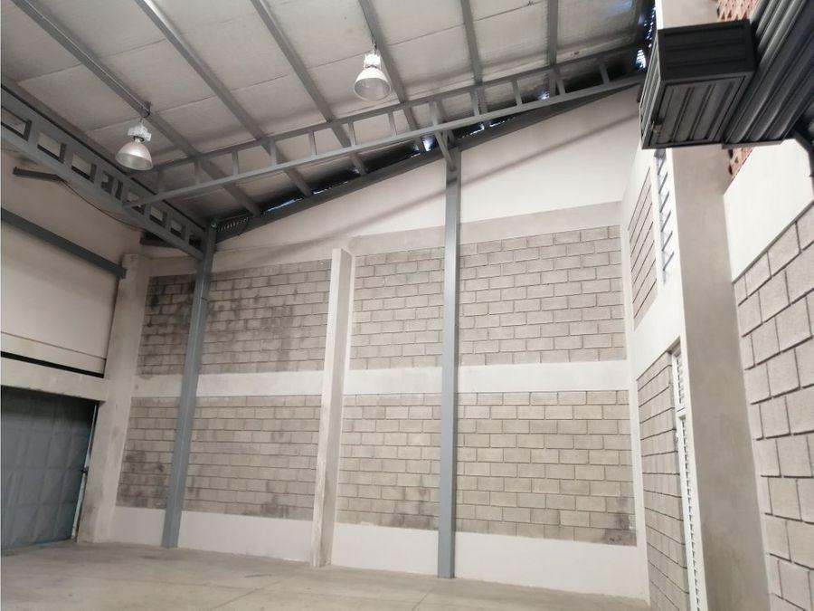 bodegas en alquiler en zapote san jose uso comercial codigo 3599567