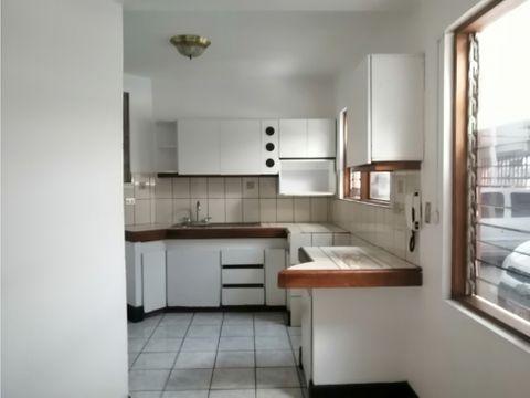 apartamento en alquiler en la uruca con patio codigo 3230020