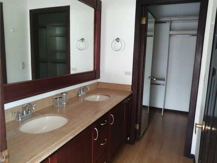 apartamento en alquiler en los laureles escazu penthouse