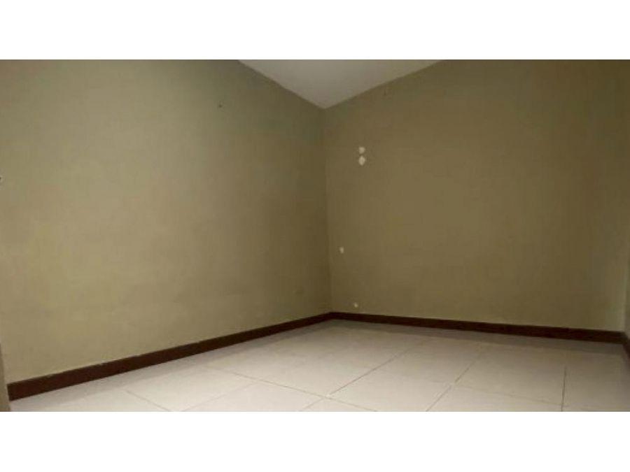 casa en venta en la trinidad de moravia 1 planta codigo 3354290