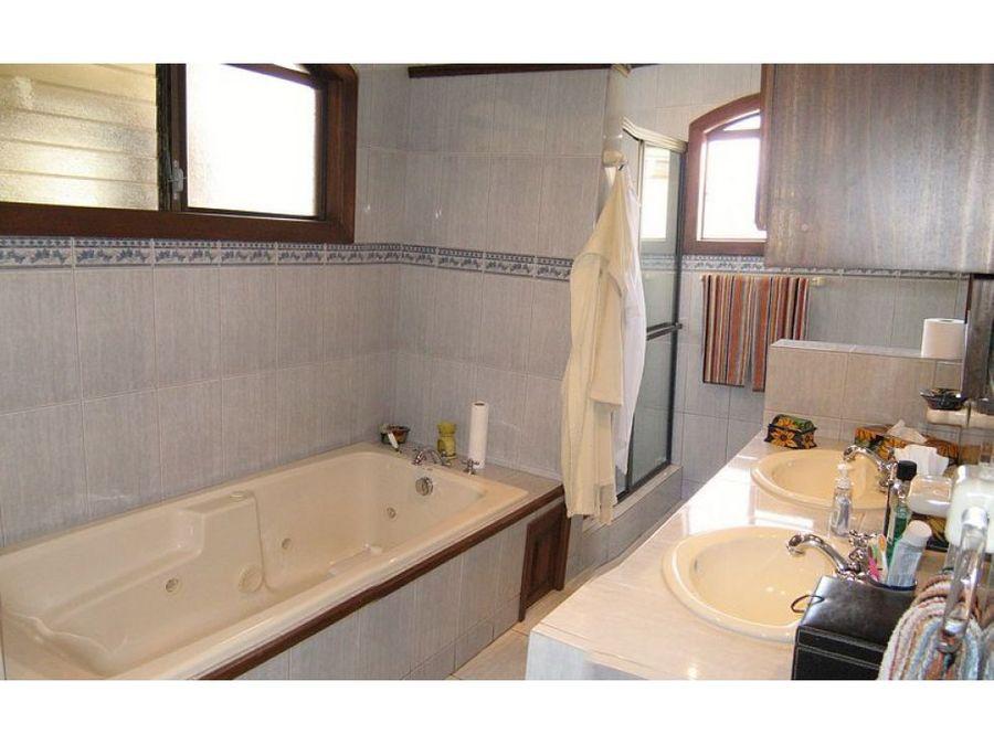 casa en venta curridabat excelente condominio cod 2507711