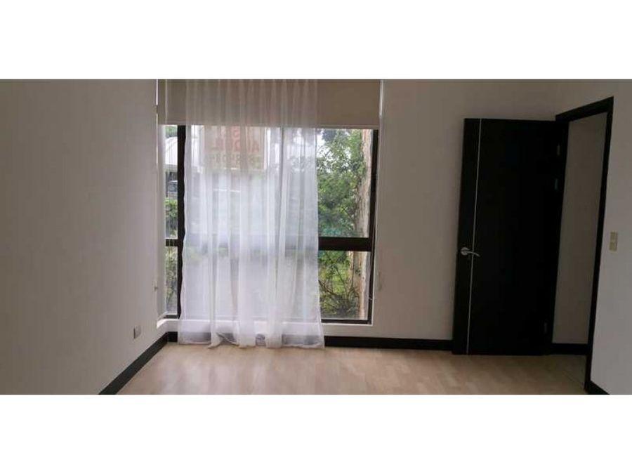 apartamento en venta en santa ana con patio codigo 2670031