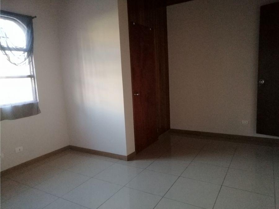 apartamento en alquiler en moravia con patio codigo 3244774
