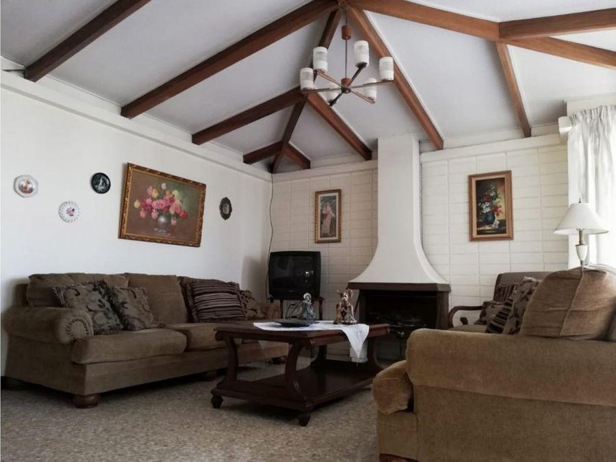 casa en venta con apto 1 planta en moravia la guaria cod3958810