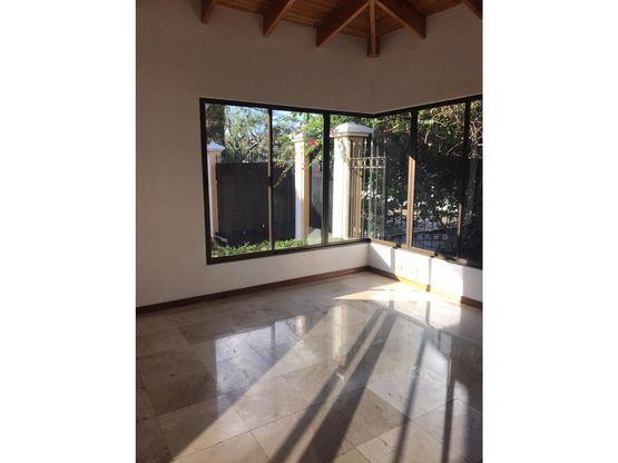 casa en venta en pinares curridabat cod 2024994