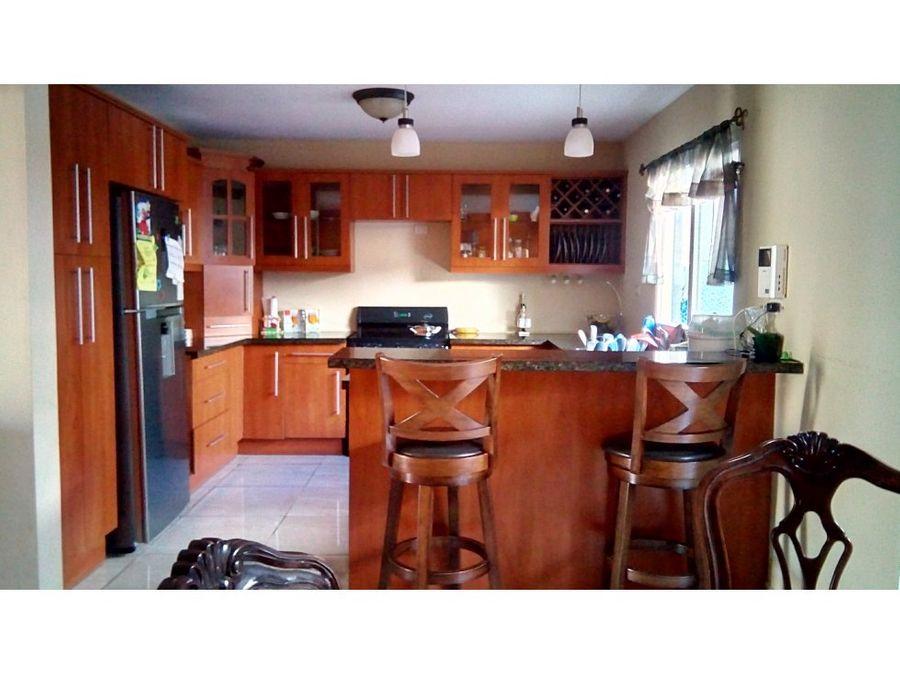 se vende casa en residencial el trapiche