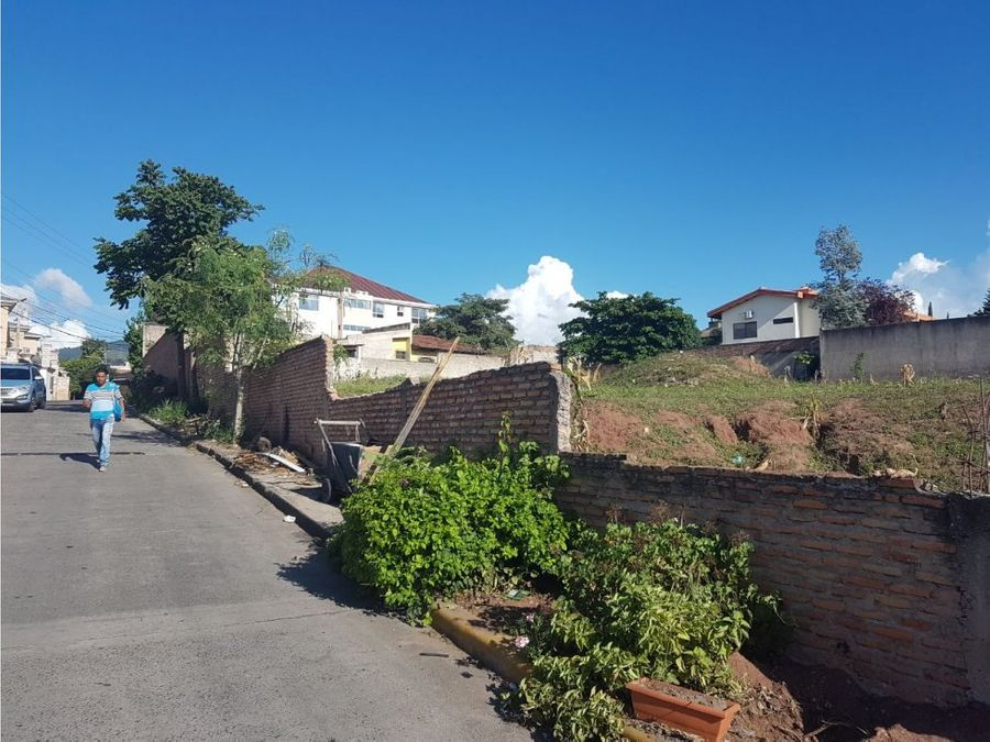 se vende terreno en residencial san ignacio