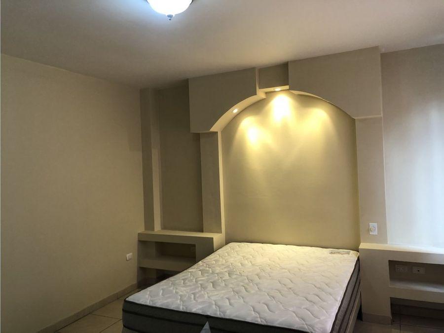 se vendealquila apartamento amueblado en loma linda norte