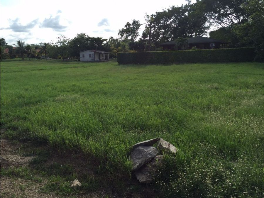 se vende lote de terreno en san juan tela